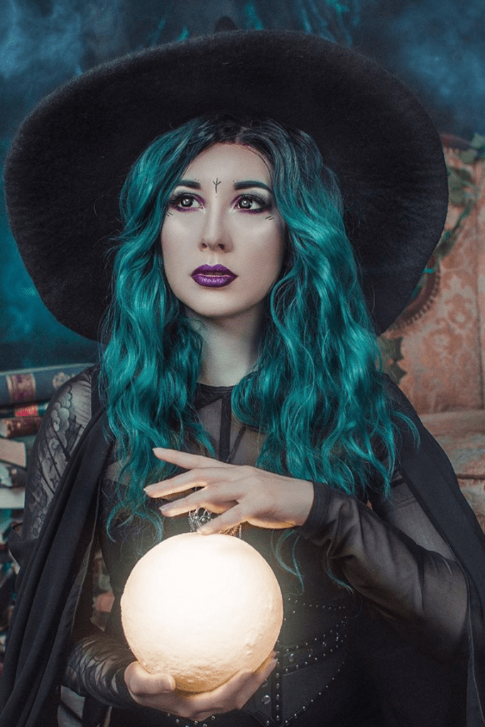 Fortune-Telling Witch